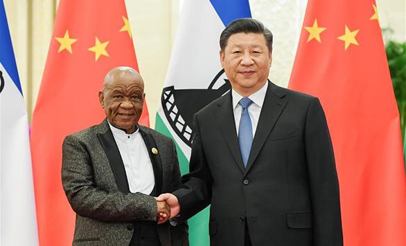 الرئيس شي يلتقي رئيس وزراء ليسوتو