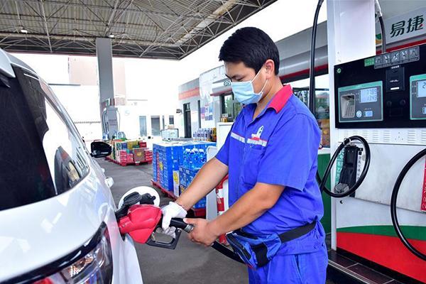 رفع أسعار التجزئة للبنزين والديزل في الصين