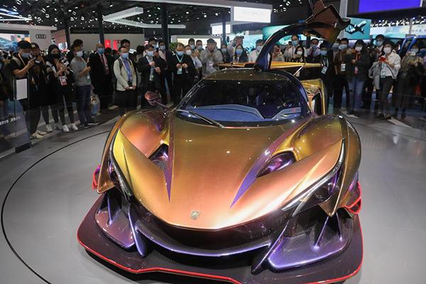 منطقة عرض السيارات في معرض الصين الدولي للواردات في شانغهاي