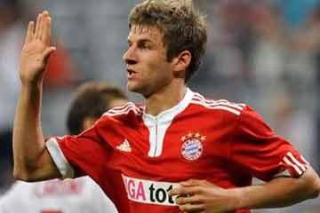 توماس مولر يمدد عقده مع بايرن ميونخ حتى عام 2017